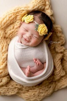 Baby Boy Pictures, Cute Baby Photos, Newborn Baby Photos, Baby Poses, Newborn Pictures, Newborn Session, Baby Girl Newborn, Newborn Photography Poses, Newborn Baby Photography