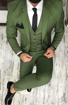 New Brand Groom Tuxedo Suit Custom Made Wine Red Men Suits Terno Slim Fit Peaked Lapel Groomsmen Men Wedding Prom Suits Groomsmen Suits, Men's Suits, Blue Suits, Prom Suit Outfits, Casual Outfits, Gym Outfits, Dress Casual, Fall Outfits, Prom Suit Jackets