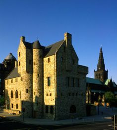 The St Mungo Museum of Religious Life and Art with Glasgow Cathedral visible behind