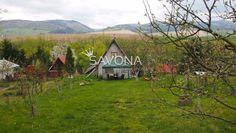 Chata 400 m² v záhradkárskej osade DUBINA II.  V chate sa nachádzajú 3izby + 2 podkrovné.