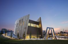 National Center for Civil and Human Rights / The Freelon Group (Now part of Perkins+Will) + HOK