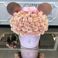 JAdore brings Disney magic with the new JLF Minnie Mouse arrangement ! Tap for details and to order #MinnieMouse #JadoreLesFleurs #Disney