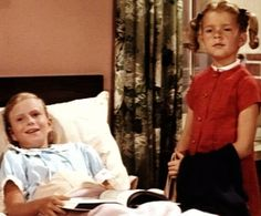 "Eve Plumb and Anissa Jones ""Family Affair"" Family Affair Tv Show, Anissa Jones, Eve Plumb, Brian Keith, 70s Tv Shows, The Brady Bunch, Jones Family, Comedy Tv, Classic Tv"