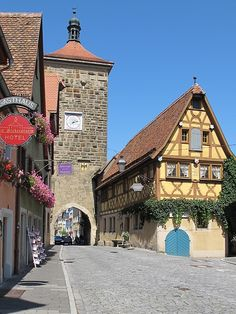 Town of Rothenburg ob der Tauber - middle Franconia, Bavaria - Germany Romantic Road, Romantic Places, Beautiful Places, Rothenburg Ob Der Tauber, Bavaria Germany, Munich, Prague, Old Town, House Colors