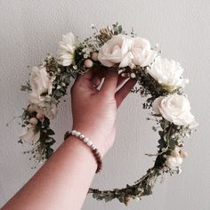 White Flower Crown // www.thecrowncollective.co