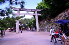 Itsukushima O-Torii and Rickshaw by AndySerrano.deviantart.com on @DeviantArt