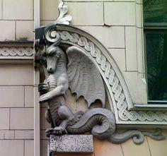 Dragon gargoyle, Riga