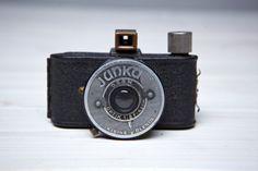 Vintage Camera Junka. Vintage Camera made in the mid-1930s .