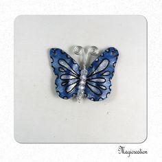 breloque papillon vinyle bleu indigo et argenté  4.5 cm