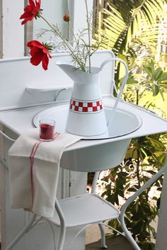 Marie's Maison: French Enamelware