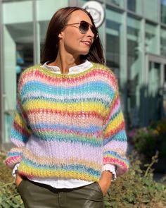 "Exclusive knitwear💕 on Instagram: ""CANDY Crush💚💜🧡 Vi lar fargene følge oss inn i høsten🍁 @nina_fredrikstad @fredrikstad_sentrum #fredrikstadsentrum #høst #fargerik…"" Wooly Bully, Bullying, Pullover, Knitting, Sweaters, Fashion, Moda, Tricot, Fashion Styles"