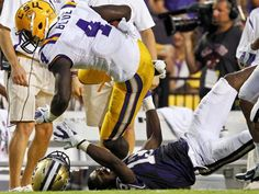 Alabama remains No. 1 while LSU moves past USC for No. 2 spot