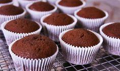Cupcake de chocolate: siga o passo a passo e prepare o minibolo