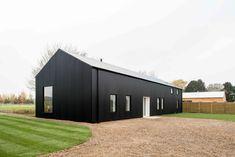 Tinker's Barn & Poacher's Barn Metal Building Homes, Building A House, Country Farmhouse Exterior, Farmhouse Style, Modern Barn House, Barn House Design, Timber House, Long House, House 2