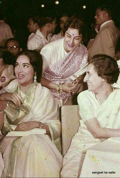 Bollywood actress Vyjayanthimala with co-star Nargis Dutt and former Prime Minister Indira Gandhi during a photoshoot. Bollywood Stars, Bollywood Cinema, Bollywood Photos, Indian Bollywood, Bollywood Actress, Tamil Actress, Indira Gandhi, Vintage Bollywood, Indian Celebrities