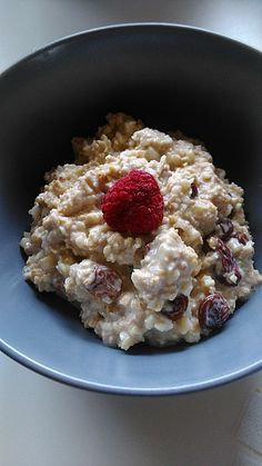 Best Bircher muesli in the world - Frühstück - Funnel Cake Pancake Healthy, Best Pancake Recipe, Pancakes From Scratch, Evening Meals, Crunches, Eating Plans, Food Items, Smoothie Recipes, Cake Recipes