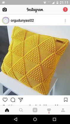 Best 11 Punto por pom – Page 410531322279298983 – SkillOfKing. Crochet Pillow Cases, Crochet Cushion Cover, Crochet Pillow Pattern, Crochet Quilt, Granny Square Crochet Pattern, Crochet Squares, Crochet Stitches, Diy Crafts Crochet, Crochet Home
