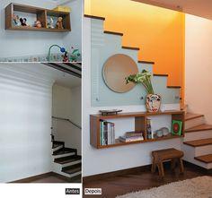 Painel de vidro na parede da escada ilumina o hall de entrada - Casa.com.br - via http://bit.ly/epinner