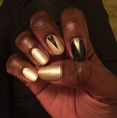 Dark Complexion, Dark Skin Tone, Tan Skin, Dark Skin Nail Polish, Nail Polish Colors, Diy Nail Designs, Art Designs, Colors For Dark Skin, Indigo Nails
