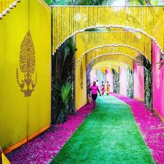 Magical Entrance Decor Ideas to Quirk up your Wedding Walkway - Wedding Decor - Wedding Dekorations Diy Wedding Entrance, Wedding Walkway, Wedding Gate, Wedding Mandap, Wedding Ceremony, Wedding House, Ceremony Backdrop, Wedding Receptions, Desi Wedding Decor