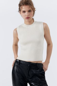 RIBBED KNIT TOP | ZARA Greece / Ελλαδα Zara Home Stores, Manga, Zara Women, Turtle Neck, Tank Tops, Knitting, Sweaters, United Kingdom, Models