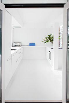 Finnish summer house designed by architect Tuomas Toivonen