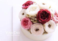 Buttercream flower Cake&Class Student's work Class  Line : yunaflower2 Email: yunaflower2@naver.com #buttercreamflower#cake#flower#buttercake#cakedecorating#buttercream#baking#flowercake#bakingclass#sweet#cakedesign#플라워케이크#weddingcake#cupcakes#flowers#buttercreamcake#anniversary#bouquet#specialcake#buttercreamfrosting#customcakes#cakes#birthdaycake#koreanbuttercream#cakeart#蛋糕#wilton#버터크림#버터크림플라워케이크#꽃스타그램