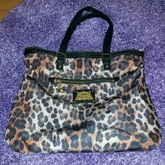 Sexy Leopard JUICY COUTURE Shoulder Bag!! LARGE Juicy Couture Leopard Bag. In like new condition. Holds everything and more. Smoke and pet free home! Happy Poshing, xo! Juicy Couture Bags Shoulder Bags