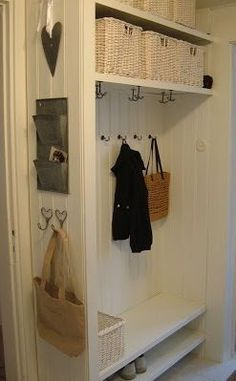 Simple and neat Coat And Shoe Storage, Design My Kitchen, Home Command Center, Hallway Designs, Boutique Interior, Cubbies, Home Staging, Mudroom, Home Organization