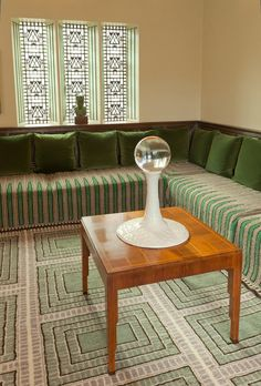 Artist-in-Residence Anders Ruhwald - Cranbrook Academy of Art Saarinen Table, Eero Saarinen, Art Deco Furniture, Furniture Styles, Room Interior, Interior And Exterior, Robert Mallet Stevens, Art Deco Bar, Interior Styling