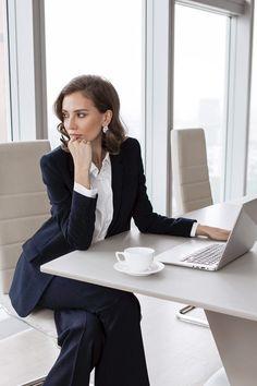 Fashion Magazine - Beauty Tips, Fashion Trends, Business Fashion, Office Fashion, Work Fashion, Business Women, Diy Fashion, Fashion Outfits, Corporate Fashion, Business Formal, Business Casual