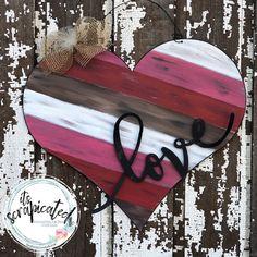 Herz - Palettenholz Look wood crafts crafts design crafts diy crafts furniture crafts ideas Valentines Day Decorations, Valentine Day Crafts, Holiday Crafts, Arte Pallet, Pallet Art, Pallet Ideas, Wood Pallets, Pallet Wood, Her Wallpaper