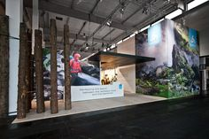 Great mix of clean modern and rustic outdoors in this ODLO tradeshow booth in Germany. Lots of photos in the post.