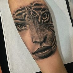 Tattoos that look real or like they are jumping off of your skin are becoming increasingly popular. tattoos often take multiple sessions to get the. Tiger Face Tattoo, Lioness Tattoo, Girl Face Tattoo, Lower Arm Tattoos, Forearm Tattoos, Body Art Tattoos, Sleeve Tattoos, Tattoo Thigh, Tattoo Girls