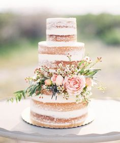 Best Pinterest Wedding Cake Pictures | Discover some of the most beautiful, eye-catching wedding cakes spotted on Pinterest. #refinery29 http://www.refinery29.com/pinterest-wedding-cakes-photos