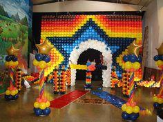 Circus Party Balloon Decoration