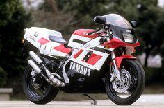 """YAMAHA """"TZR500V4""""(RZV500R)"""