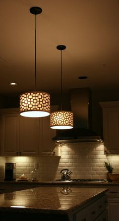 pendant lighting  Designer Gourmet Kitchen Trends www.OakvilleRealEstateOnline.com