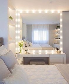 Teen Bedroom Decor Teenage Bedroom Sets, Teenage Bedroom Makeover, Teenage Bedroom Rules Do you think he or she will like it? Dream Rooms, Dream Bedroom, Home Bedroom, Bedroom Inspo, Desk In Bedroom, Teen Bedroom Inspiration, Bedroom Furniture, Royal Bedroom, Bedroom 2018