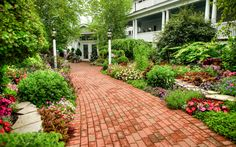Hotel Iroquois Mackinac Island Michigan MI - Signature Gardens