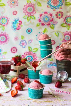 Helado de fresas. Strawberry ice cream by Loleta.es