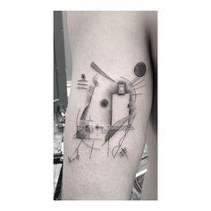 Instagram media by maxlesquatteur - #wassilykandinsky #wassily #kandinsky #art #artabstrait #Lencrerie #ink #inked #Tattoo #tatouage #vassily #vassilykandinsky Cc @walterhego @dizzycali @_favry @bellesetbuth @dlc4123 @jeynoname