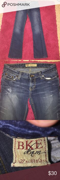 ✨Distressed BKE Stella Bootcut Jeans✨ Super cute Lightly Distressed Low Rise BKE Stella Bootcut Jeans! In excellent condition just a little wear at the bottom of the jeans from being too long. Waist Measurement 14in. Inseam 29in. Rise 6in. Made of 99% Cotton 1% Spandex. ✨Same Day/Next Day Shipping✨  ✨I always describe my items the best I can including flaws & defects✨ BKE Jeans Boot Cut