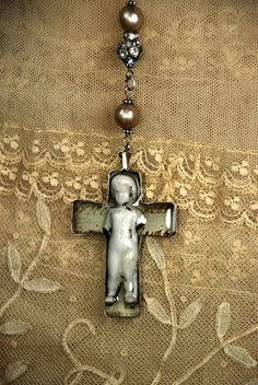 Frozen Charlotte crucifix pendan Reminds me of Rosary beads - like how they are spaced Jewelry Crafts, Jewelry Art, Beaded Jewelry, Jewelry Design, Jewellery, Religious Icons, Religious Art, Rosary Beads, Shabby