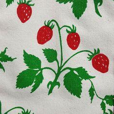 Perfect for a trip to the farmer's market.  Vintage Boston Hand Print strawberry tote. $32 in my eBay store. . . . #vintagestyle #vintagegraphics #strawberries#totebag #vintagehandbag #bostonhandprint #springstyle #screenprint #vintageebay #ebaystore