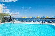 Griekenland Kreta Agios Nikolaos Een bruisende stad zon zee strand en Griekse gezelligheid. In het hotel kom je alleen volwassenen tegen dus je hoort geen gespetter van kinderen in het zwembad op het dakterras. Bij de bar nip... EUR 511.00 Meer informatie #vakantie http://vakantienaar.eu - http://facebook.com/vakantienaar.eu - https://start.me/p/VRobeo/vakantie-pagina