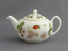 Wedgewood Strawberry teapot