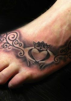 Classic Celtic Claddagh tattoo design