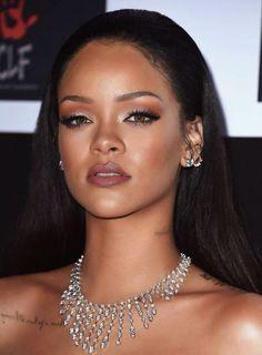 Rihanna (Robyn Rihanna Fenty) ✖️☹❤︎☆☻♡★ RiRi * Since 2011 Giving You the Latest In & * Rihanna Makeup, Rihanna Riri, Rihanna Style, Rihanna Face, Beyonce, Rhianna Fashion, Rihanna Fenty Beauty, Rihanna Daily, Good Girl Gone Bad