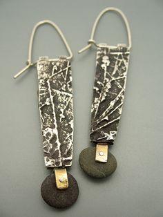 Leptospermum Earrings | Flickr - Photo Sharing! Metal Clay Jewelry, Stone Jewelry, Boho Jewelry, Jewelry Art, Handmade Jewelry, Types Of Earrings, Body Adornment, Christmas Earrings, Designer Earrings